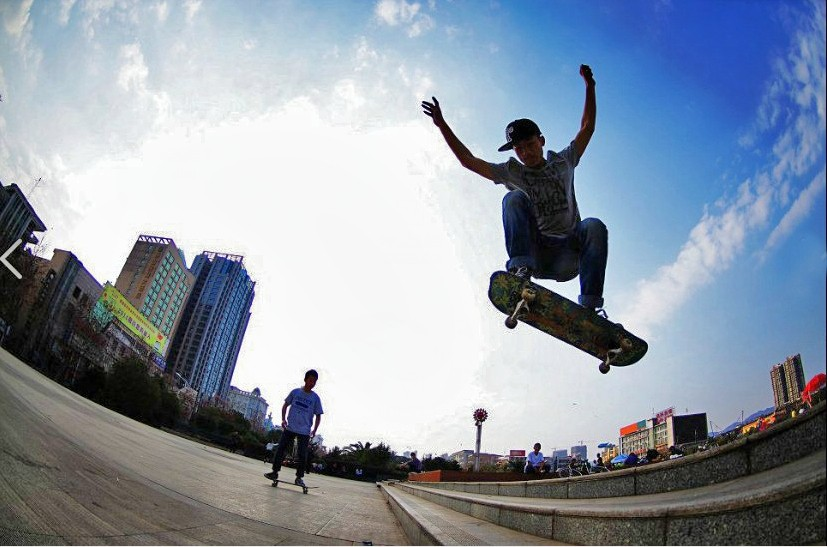 滑板运动(鱼眼拍摄)