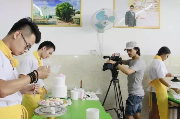 西点烘焙学校,生日蛋糕培训班,韩式裱花培训