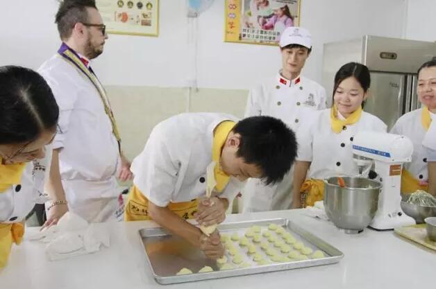 深圳专业高级烘焙培训班 高级烘焙培训学校