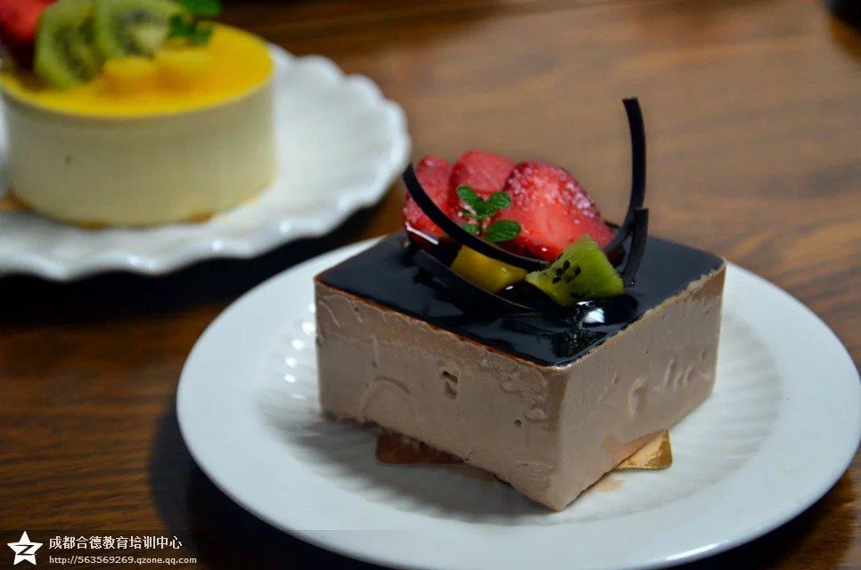 至尊黑巧克力慕斯蛋糕