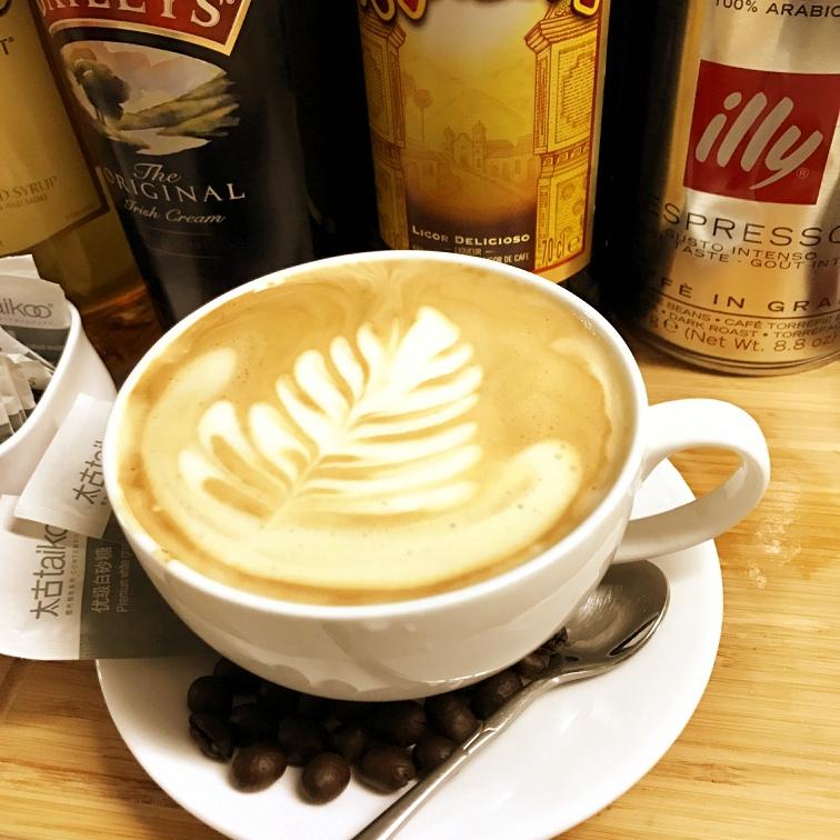 热拿铁咖啡
