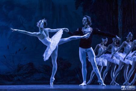 """俄罗斯芭蕾经典走进哈尔滨 上演""""爱乐之城"""""""