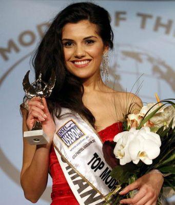 世界顶尖超模赛落幕 罗马尼亚美女夺冠