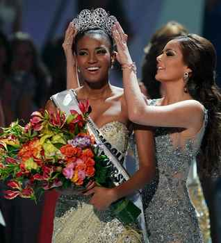 2011环球小姐决赛 安哥拉小姐加冕冠军