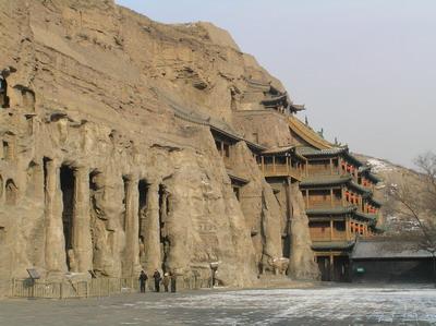 中国七大岩画宝库之一 阴山发现五千年前人面岩画
