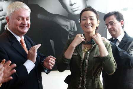 国际巨星巩俐被授予法国最高荣誉勋章