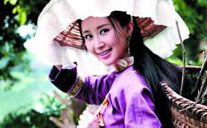 重庆美女办慈善晚宴 女精英倡议传统阅读
