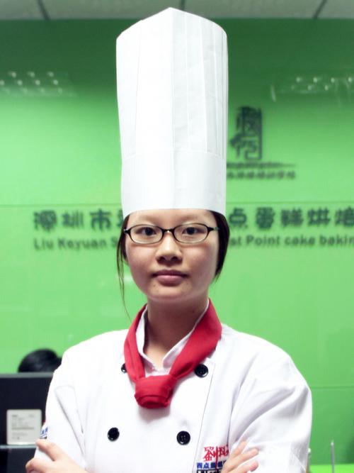 刘科元西点蛋糕烘焙培训学校蛋糕教研部:李燕飞老师