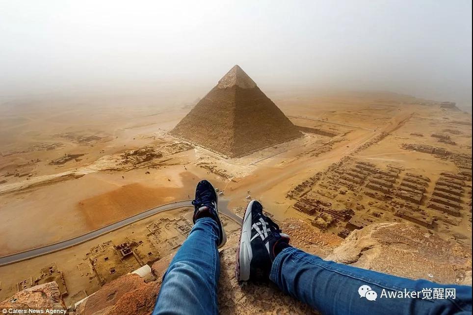 2016年德国小伙攀爬金字塔全过程