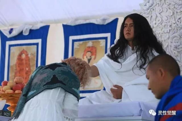 尼泊尔灵修少年▶人类真正的宗教是追求真理!