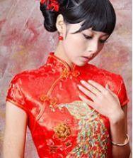 娉娉婷婷~绝世倾城!漾出新娘万千风情的红色金丝孔雀结婚旗袍