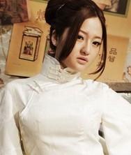 巧之韵采而佩白色丝棉压花气质长款旗袍