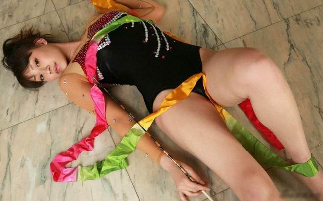 日本艺术体操队员中村果生莉