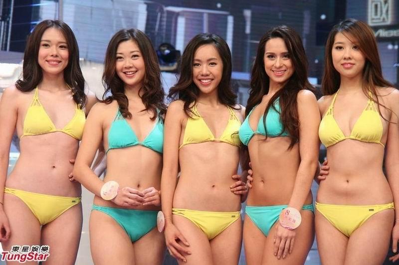 中华小姐泳装彩排 比基尼太贴身现尴尬场面