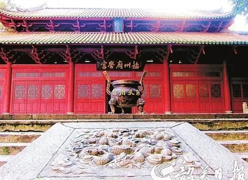 图为韶州府学宫大成殿,经过修葺以后,气势磅礴。