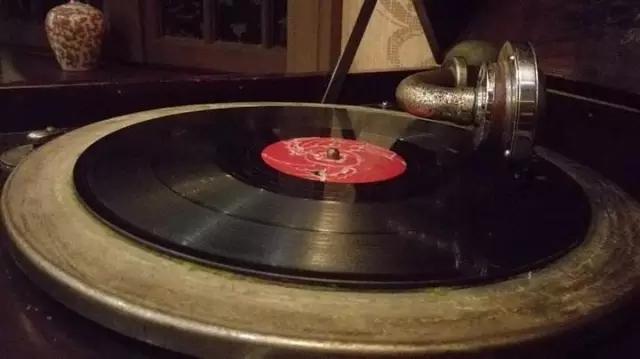 黑胶唱片全面征集原创歌曲,为你免费推广宣传哟!