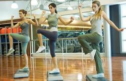 健身房健身