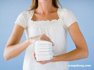 女人这么用卫生巾会害死自己