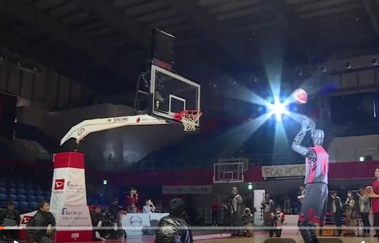 日本发明投篮机器人,命中率高达99.99%,一般人都比不上吧
